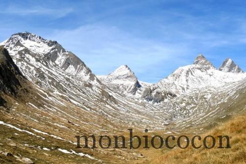 derrière le lac du goléon alpes