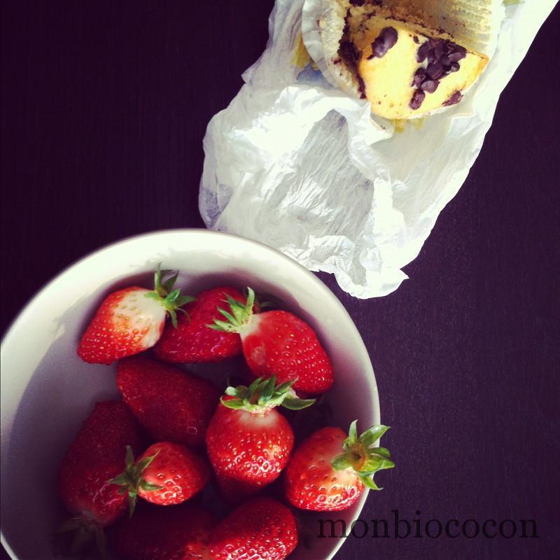 dessert-fraise-glace-muffin-pépites-chocolat-000