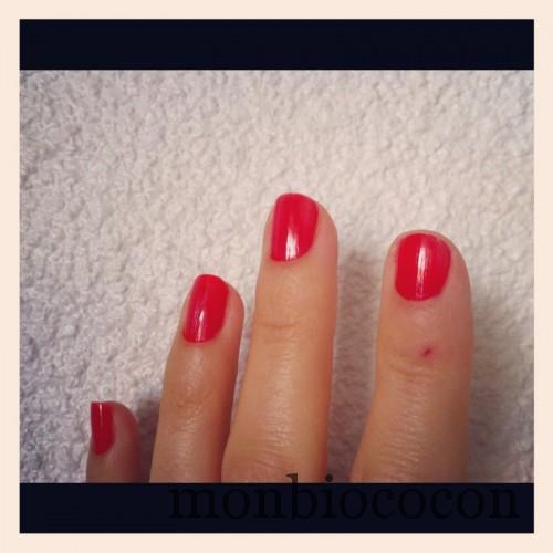vernis-la-roche-posay-silicium-coquelicot-rouge