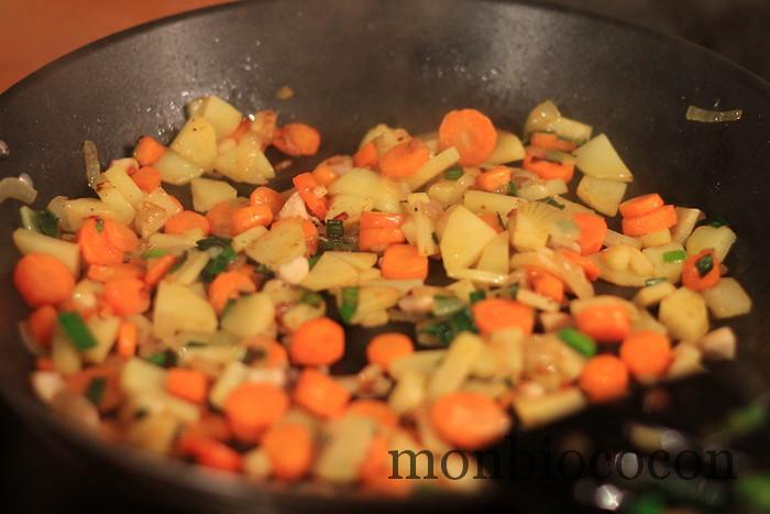 poellée-petits-légumes-cassolette-noix-saint-jacques-bio