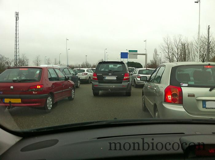 embouteillage-péage-autoroute-vacances