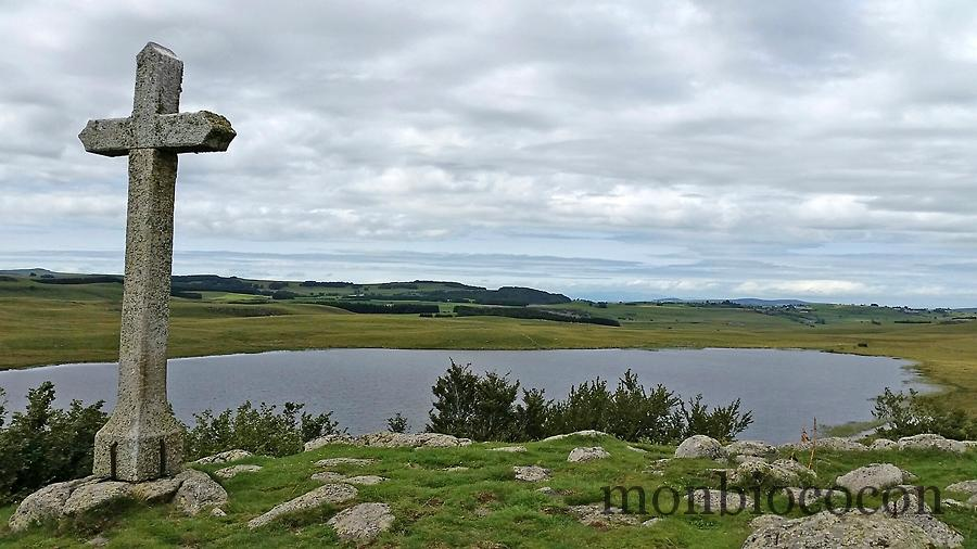 lac-de-saint-andéol-lozère-aubrac