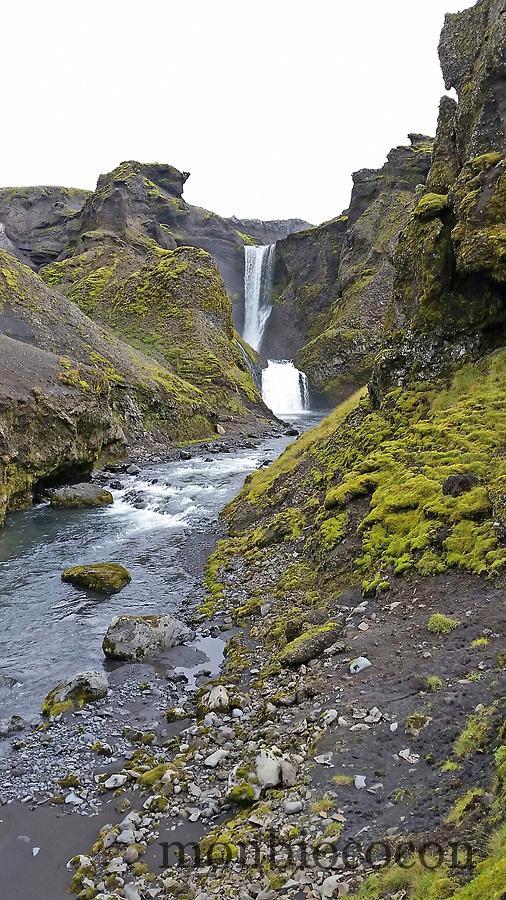 iceland--south-photos-hikking-skogafoss-4