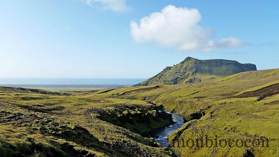 iceland--south-photos-hikking-skogafoss-7