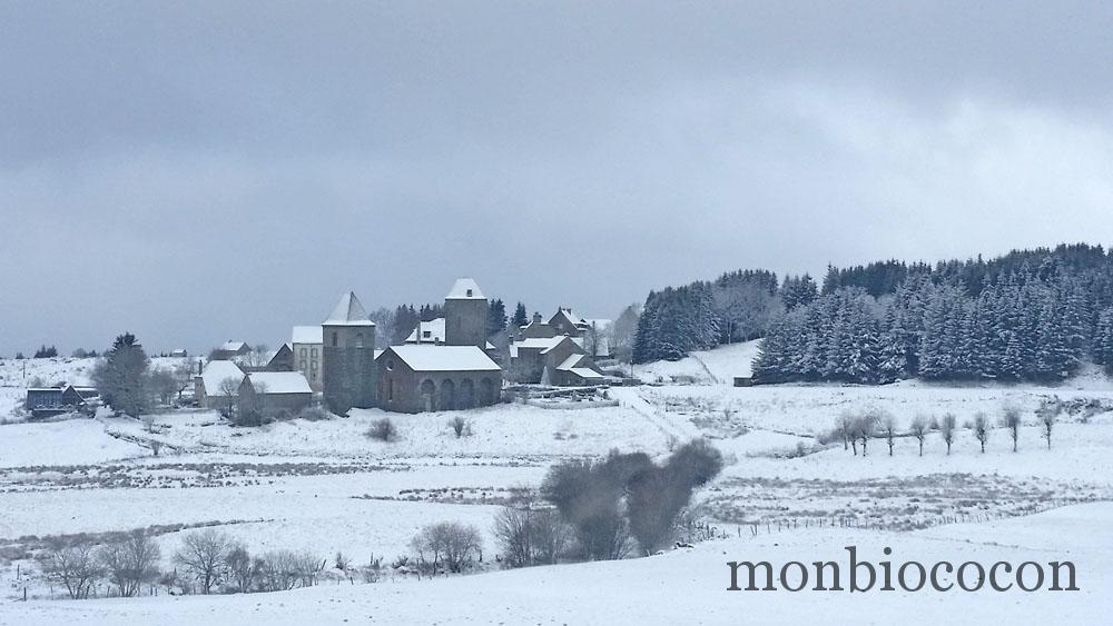 village-neige-aveyron-plateau