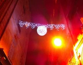 Bordeaux fête Noel et s'est paré de belles décorations lumineuses
