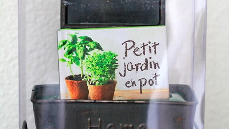 Petit jardin en pot: kit coffret by Larousse pour que j'ai du persil et du basilic dans ma cuisine