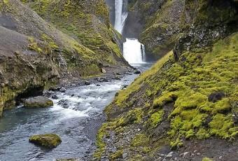 Roadtrip in Iceland : randonnée au-dessus de Skogafoss