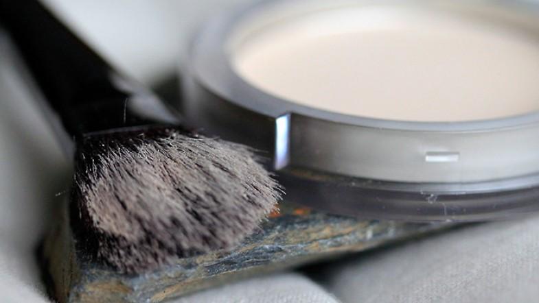 Poudre compacte Logona ou mon premier cosmétique naturel certifié BIO