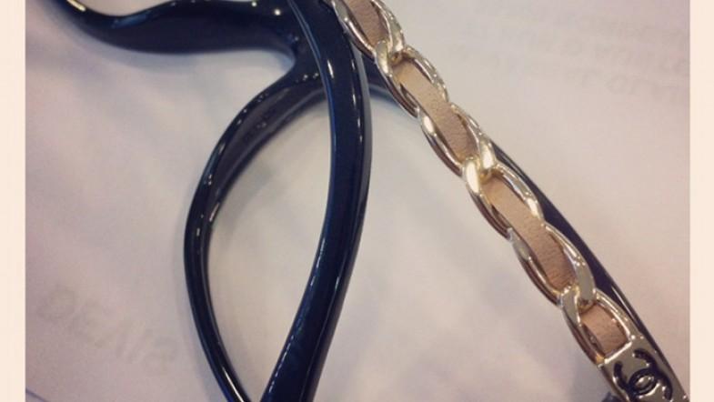 De nouveaux 4 z'yeux pour moi ! Chanel & cuir au programme. Sur mon nez.