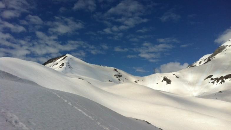 Montagnes enneigées & soleil des Pyrénées