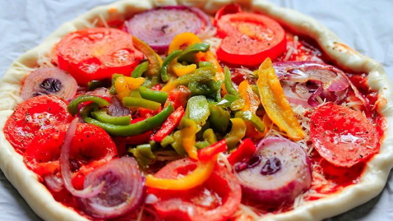Une pizza ensoleillée et colorée, mmmmh !