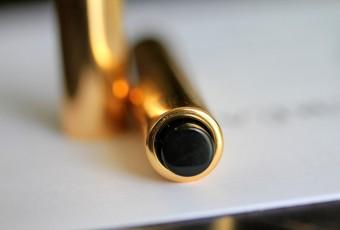 Une touche d'éclat by Yves Saint Laurent: anti cernes pour peau claire et sèche: j'ai trouvé!